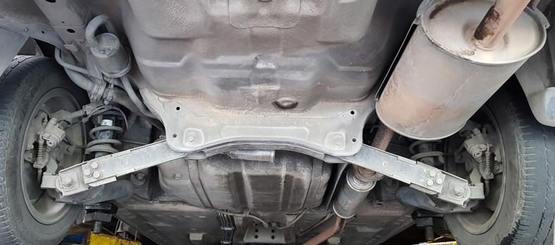 Unterseite eines Autos