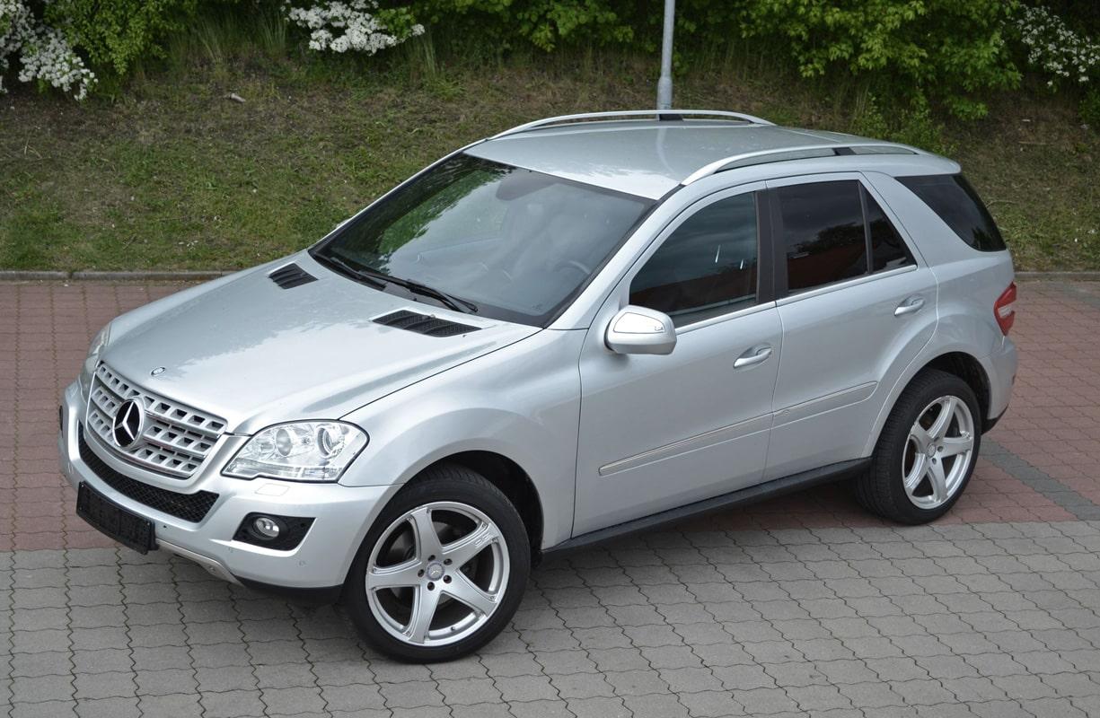 Mercedes-ML-320-Totale