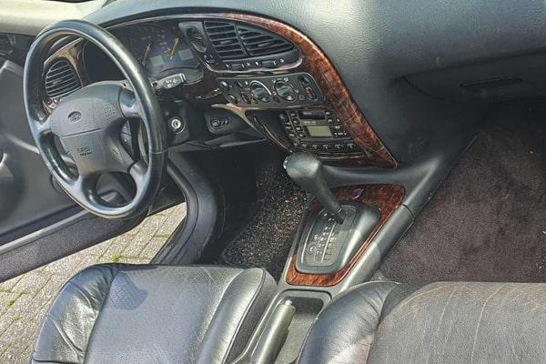 Ford-Scorpio-Einstieg