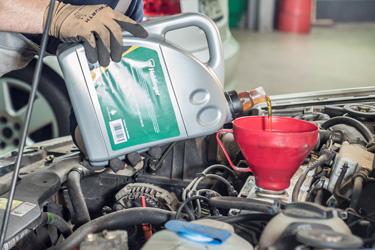 Motoröl nachfüllen