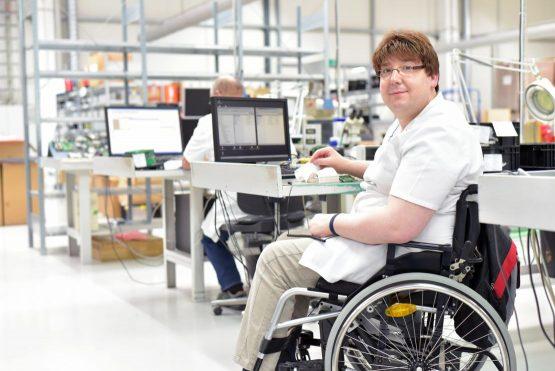 Ein eigenes Auto fördert die berufliche Integration von Menschen mit einer Behinderung