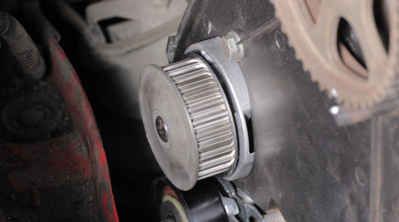 Wasserpumpe, eingebaut im Auto